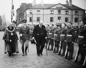 Lord Derby inspects Loyals 1939